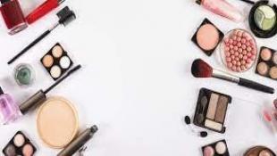 مستحضرات التجميل منتهية الصلاحيةـ هل يمكن استخدامها بأمان؟