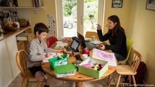 دراسة تحذر: التعليم عن بُعد يضر بصحة الأطفال العقلية!