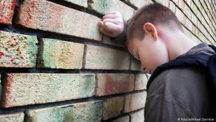 قلق واضطراب واكتئاب.. تبعات غير مباشرة لكورونا بين الأطفال والنساء