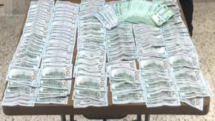 قوى الامن الداخلي : سرقت 50 ألف دولار امريكي من منزل مخدومها وسلمت قسم من المبلغ إلى مواطنتَيها، فأوقفتهن شعبة المعلومات