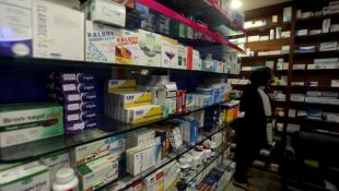 «الكارتيل» يحكم الدولة: 7 شركات تحتكر سوق الدواء