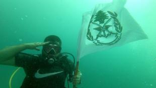 بالفيديو : تحية من صيدا للجيش اللبناني في عيده من أعماق حديقة صيدون البحرية وجهها رئيس نادي سكوبا بابل المدرب محمد  كزبر