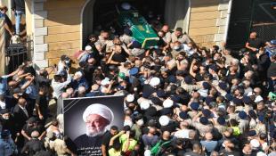 بالصور : مراسم تشييع العلامة الشيخ قبلان بمشاركة عدد من الشخصيات والأحزاب