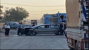 """حادث سير بين حافلة و""""بيك آب"""" وسيارة... سقوط 9 جرحى"""