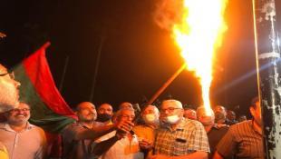 بالصور: النائب أسامة سعد أضاء شعلة المقاومة في صيدا خلال إحياء ذكرى انطلاقة جبهة المقاومة الوطنية  : لإطلاق حوار وطني شامل حول السياسة الدفاعية