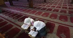 """كلمة السر لحفظ القرآن مهما كان عمرك.. """"أستطيع"""""""